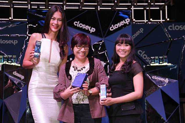 CloseUp Diamond Attraction Hashtag competiton Winner with Felicia Julian...